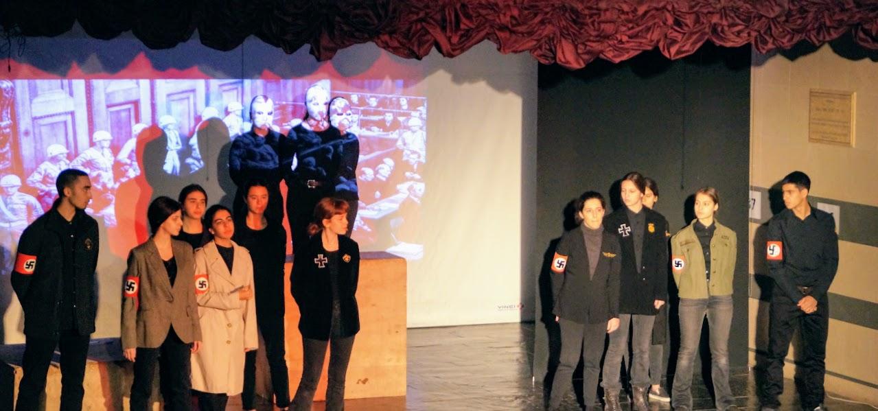 Εκδήλωση των μαθητών της Γ΄Λυκείου « Καταδικάζοντας την Τυραννία- 17 Νοέμβρη »-1