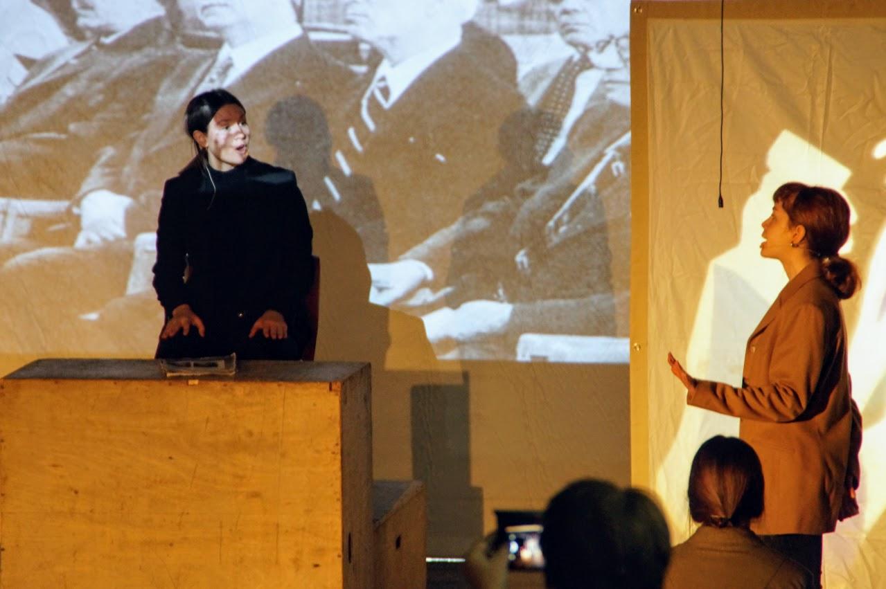 Εκδήλωση των μαθητών της Γ΄Λυκείου « Καταδικάζοντας την Τυραννία- 17 Νοέμβρη »-2