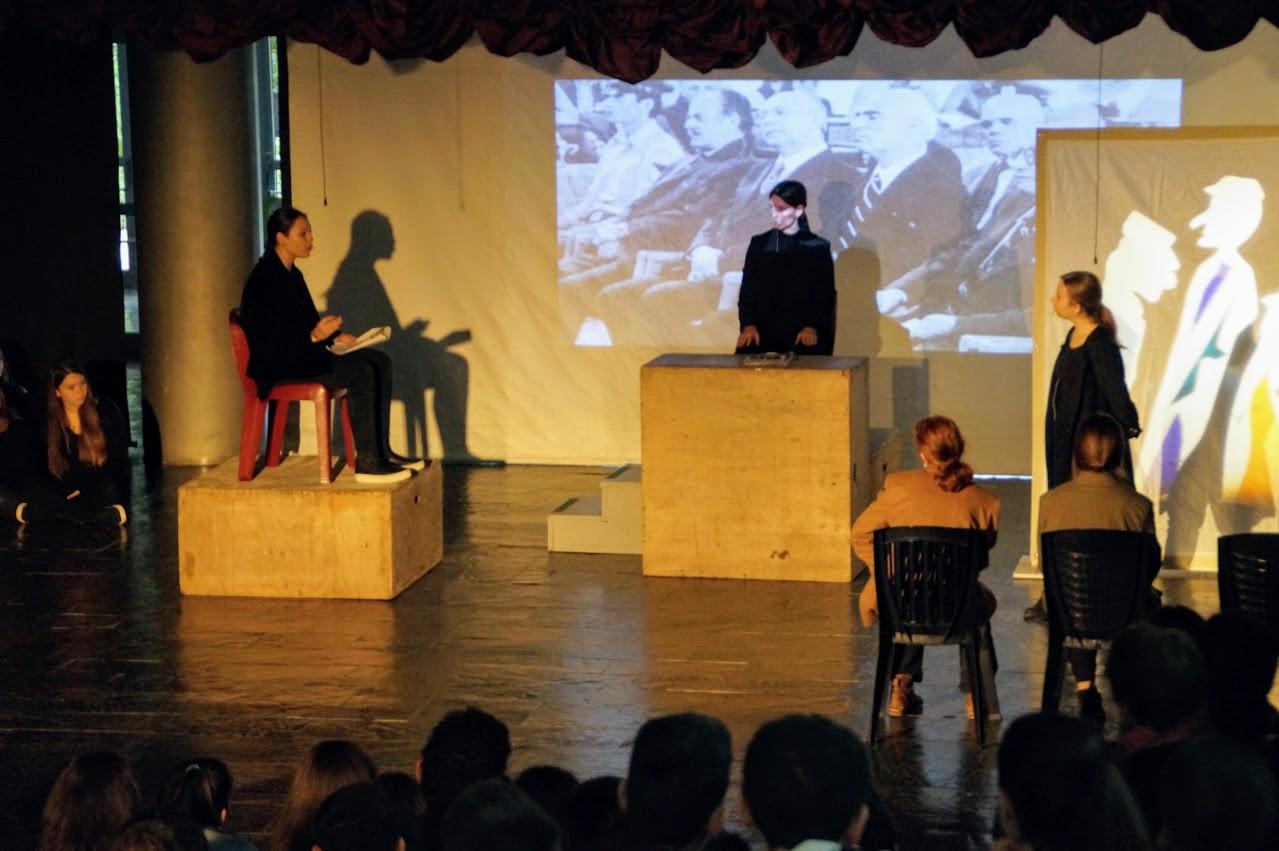 Εκδήλωση των μαθητών της Γ΄Λυκείου « Καταδικάζοντας την Τυραννία- 17 Νοέμβρη »-7