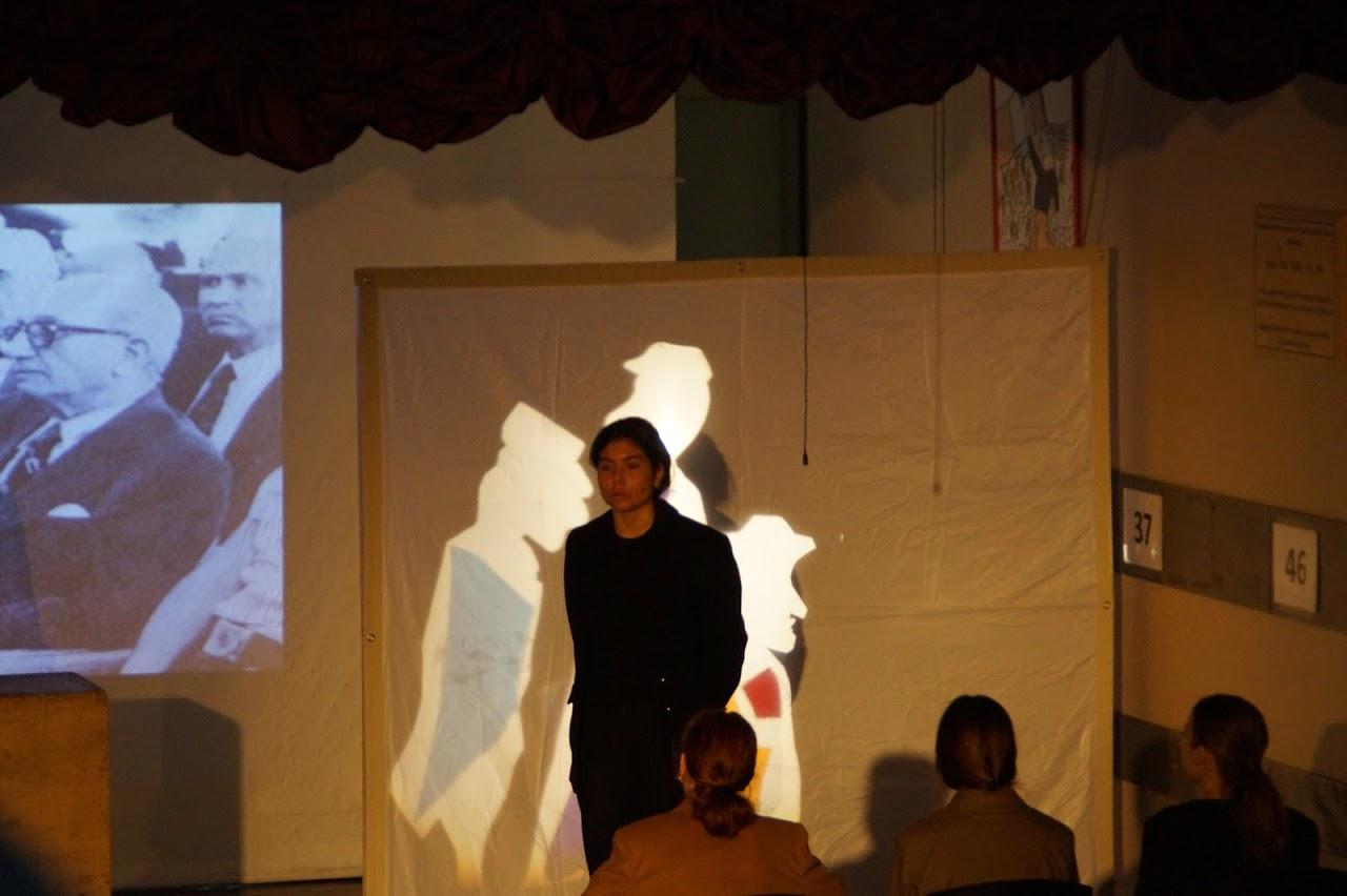 Εκδήλωση των μαθητών της Γ΄Λυκείου « Καταδικάζοντας την Τυραννία- 17 Νοέμβρη »-9