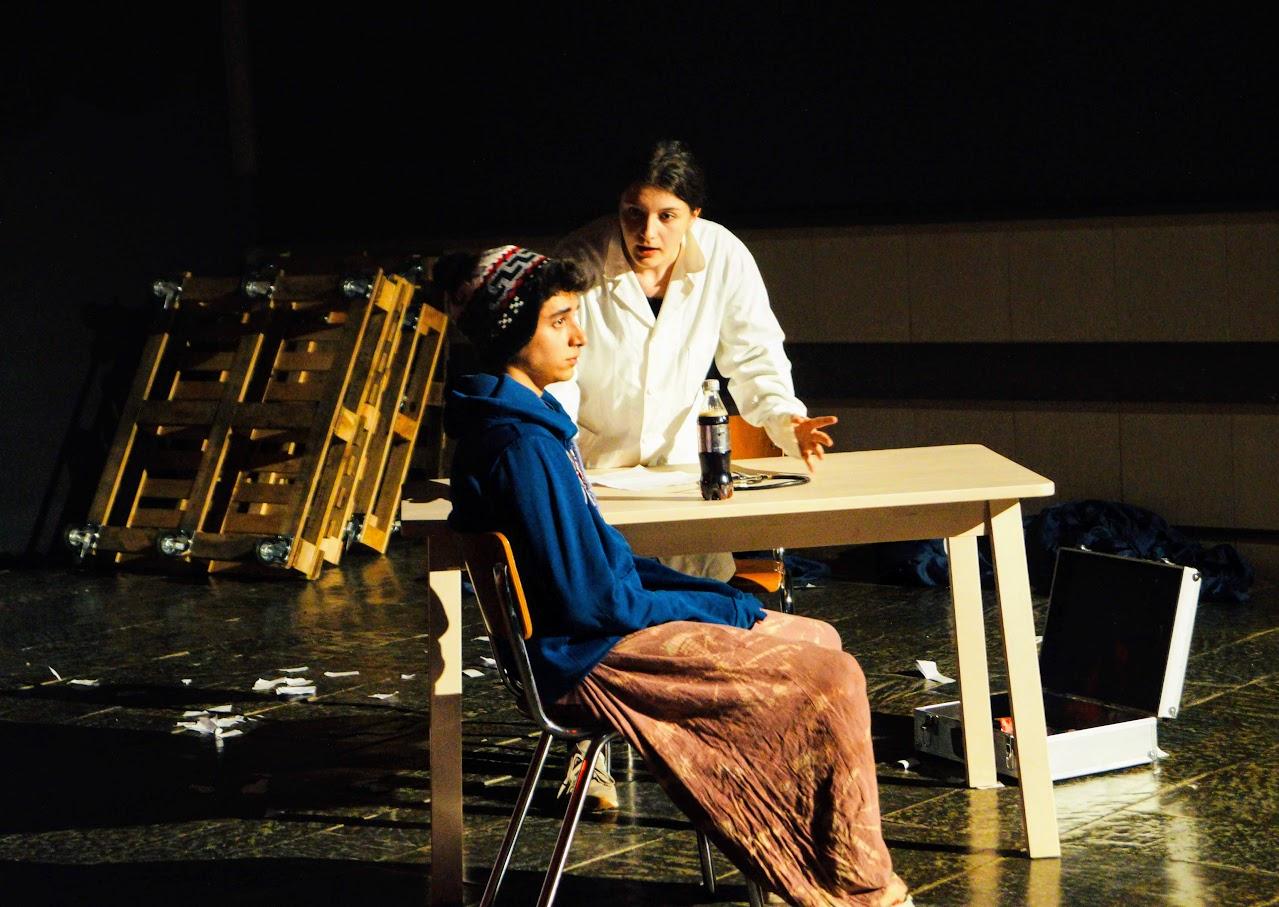 Migraaaants : le spectacle des Terminales option théâtre-3