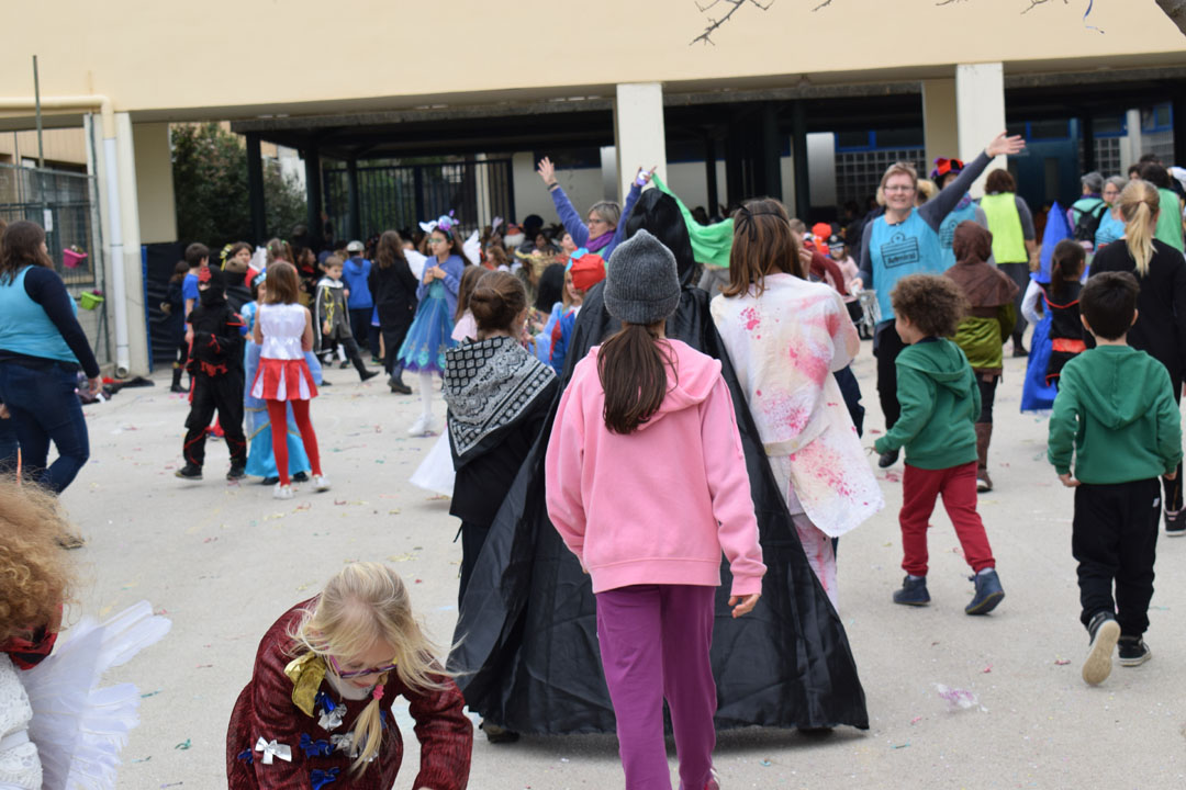 Le carnaval bat son plein au LFHED !-16