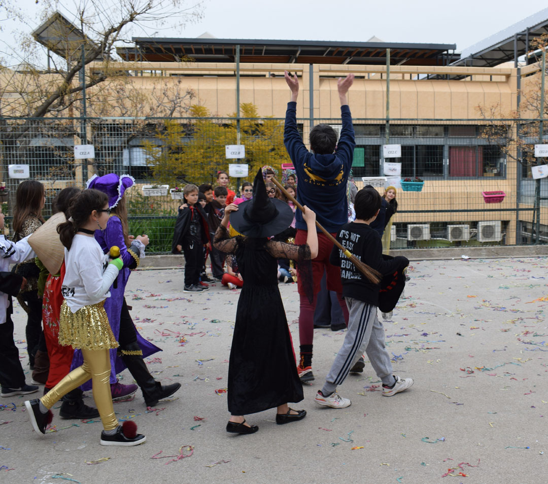 Le carnaval bat son plein au LFHED !-35