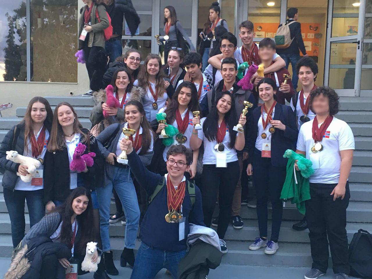 """Les élèves du LFHED remportent la troisième place à la compétition académique """"World Scholar's Cup""""-0"""