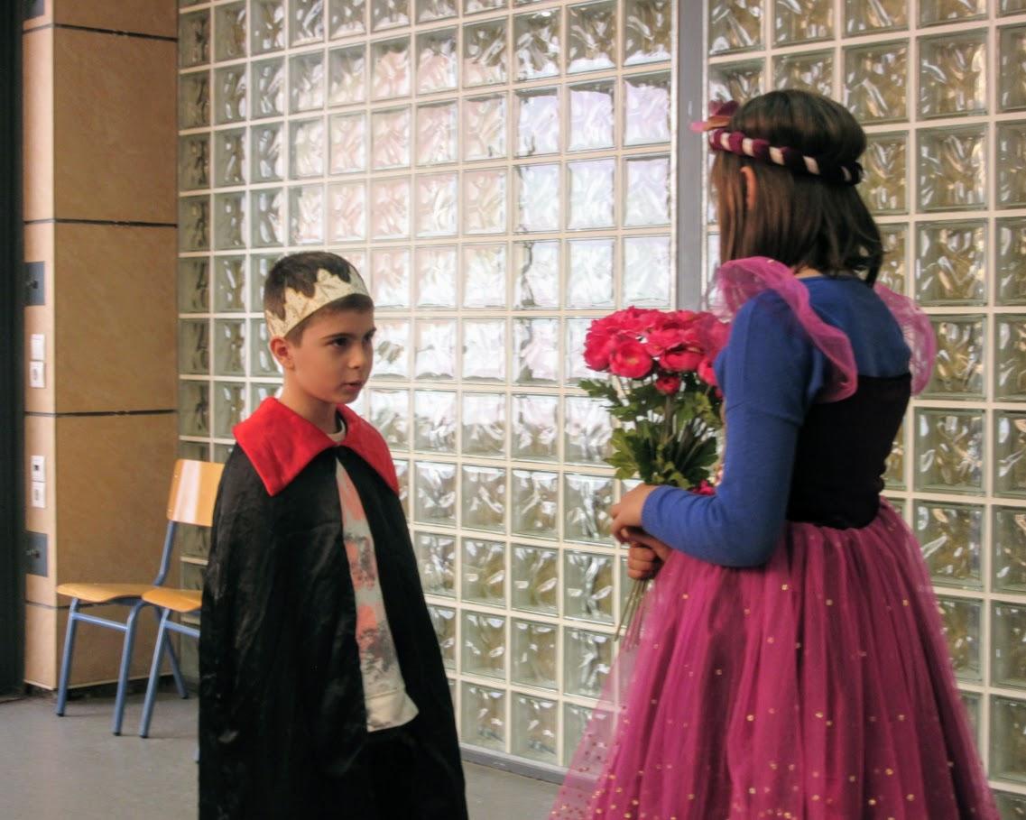 """Spectacle des CE2D : """"Le roi Boutentrain et la reine Quichouine""""-2"""