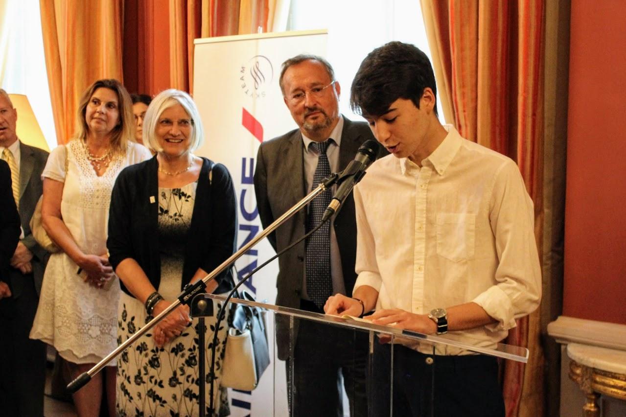 Οι τελειόφοιτοι μαθητές του Γαλλικού και του Ελληνικού τομέα, δέχθηκαν τα συγχαρητήρια από τον Πρέσβη της Γαλλίας-4