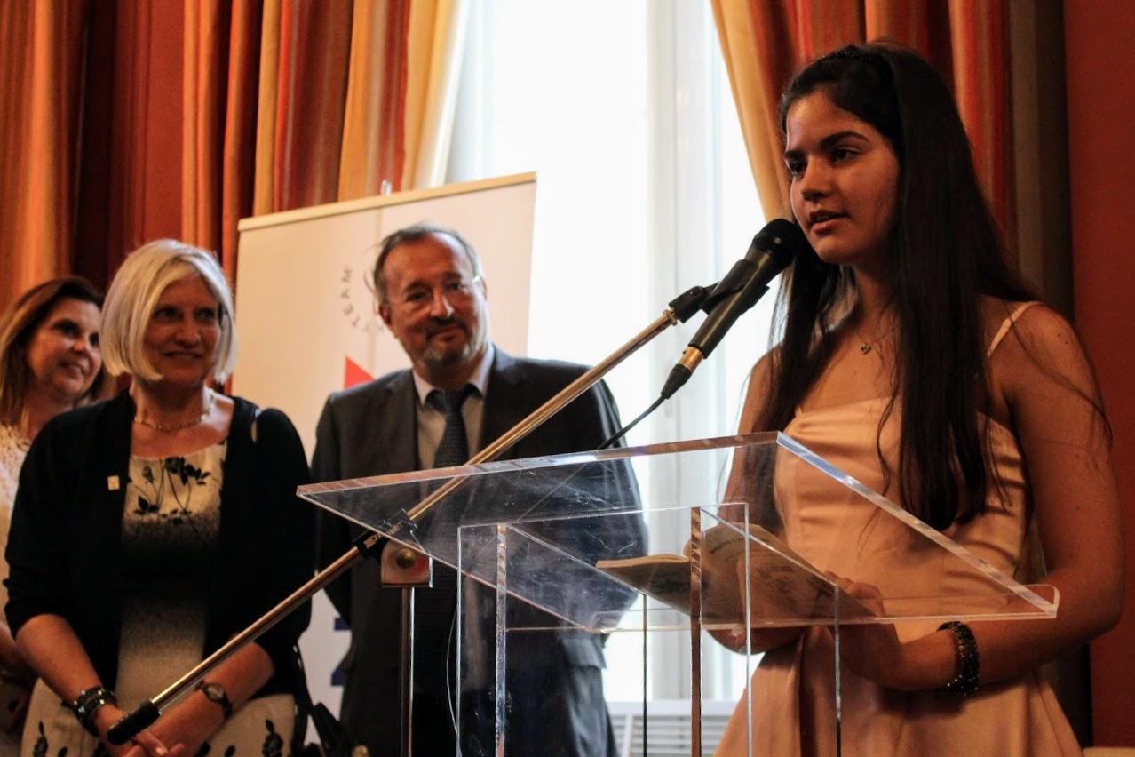 Οι τελειόφοιτοι μαθητές του Γαλλικού και του Ελληνικού τομέα, δέχθηκαν τα συγχαρητήρια από τον Πρέσβη της Γαλλίας-7