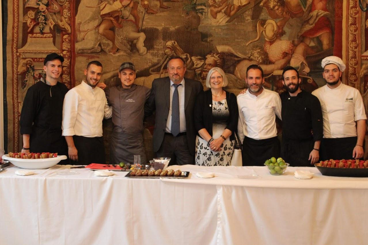 Οι τελειόφοιτοι μαθητές του Γαλλικού και του Ελληνικού τομέα, δέχθηκαν τα συγχαρητήρια από τον Πρέσβη της Γαλλίας-9