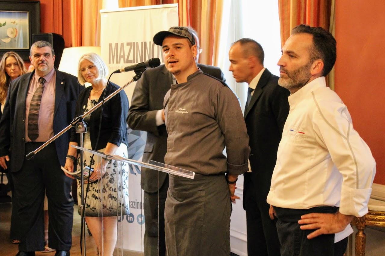 Οι τελειόφοιτοι μαθητές του Γαλλικού και του Ελληνικού τομέα, δέχθηκαν τα συγχαρητήρια από τον Πρέσβη της Γαλλίας-1