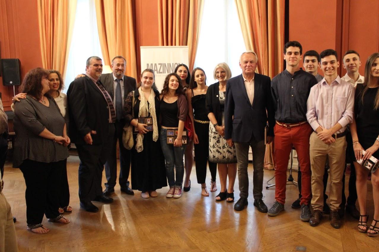 Οι τελειόφοιτοι μαθητές του Γαλλικού και του Ελληνικού τομέα, δέχθηκαν τα συγχαρητήρια από τον Πρέσβη της Γαλλίας-13