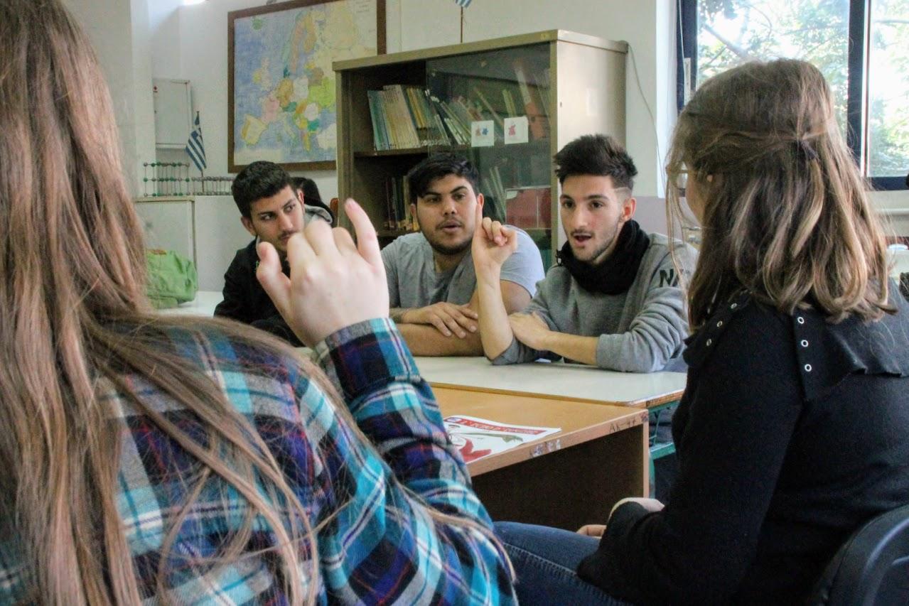 Η συντακτική ομάδα της Echo d' Eugene επισκέπτεται το Γυμνάσιο-Λύκειο Κωφών Βαρηκόων Αργυρούπολης -1