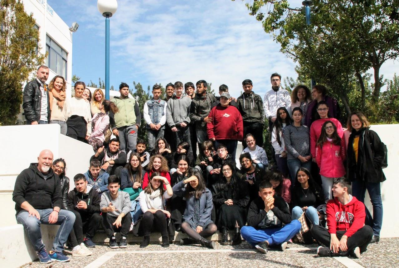 Η συντακτική ομάδα της Echo d' Eugene επισκέπτεται το Γυμνάσιο-Λύκειο Κωφών Βαρηκόων Αργυρούπολης -0