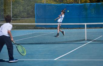 Victoire de nos élèves au tournoi de tennis inter-établissements d'OAKA-4