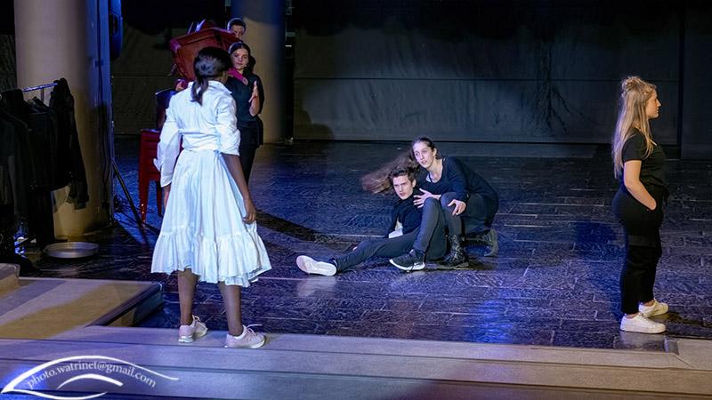 Les élèves de 1ère option théâtre présentent le spectacle « ANIMUS ANIMA »-2