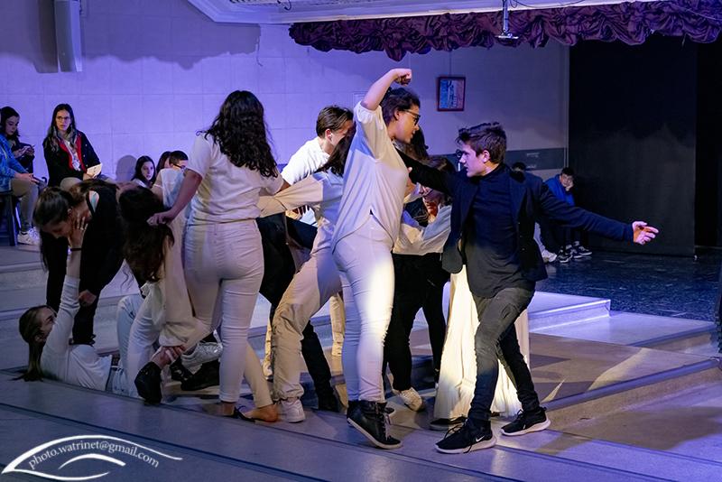 Les élèves de 1ère option théâtre présentent le spectacle « ANIMUS ANIMA »-9