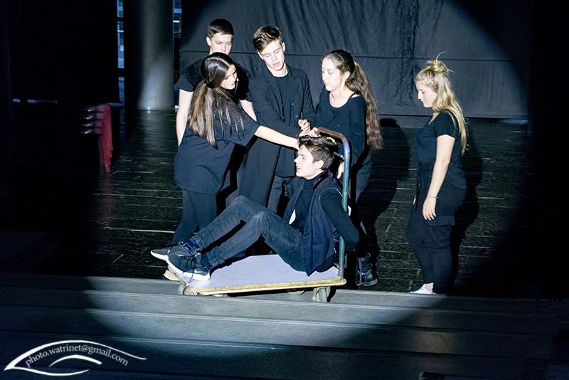 Les élèves de 1ère option théâtre présentent le spectacle « ANIMUS ANIMA »-10