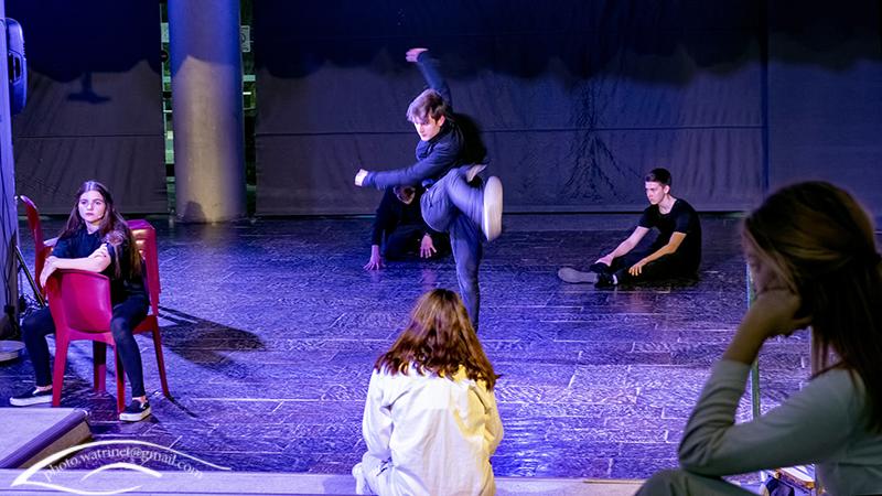Les élèves de 1ère option théâtre présentent le spectacle « ANIMUS ANIMA »-11