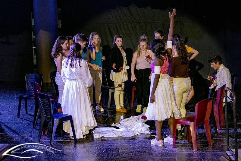 Les élèves de 1ère option théâtre présentent le spectacle « ANIMUS ANIMA »-13