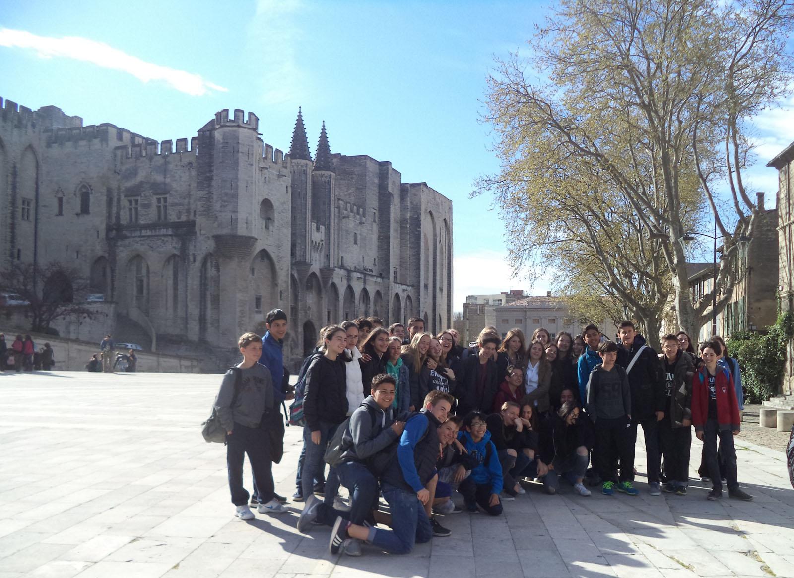 Echange mémorable avec le Collège Mignet d'Aix-en-Provence : Visites culturelles, projets littéraires et liens d'amitié pour nos élèves de 4.2.-1