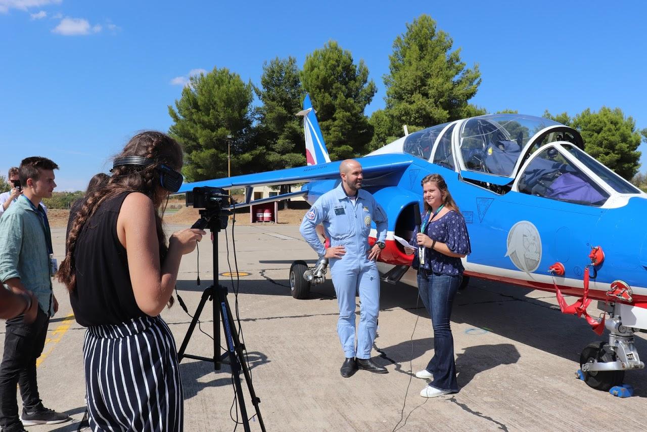 Nos élèves vidéastes interviewent les pilotes de la Patrouille de France-4