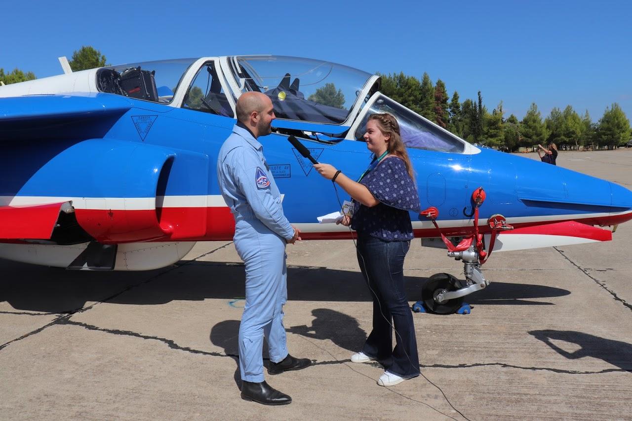 Nos élèves vidéastes interviewent les pilotes de la Patrouille de France-1
