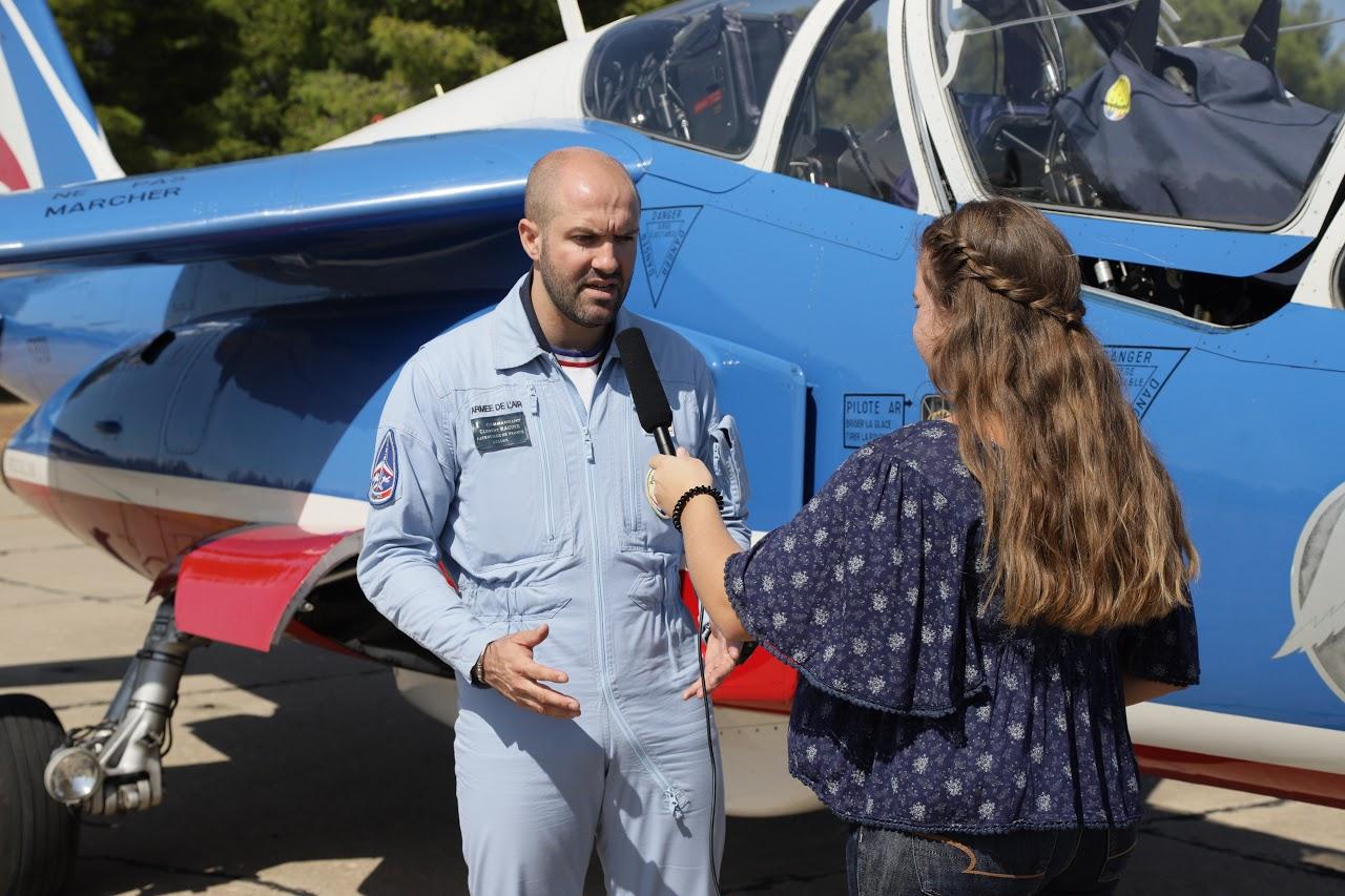 Nos élèves vidéastes interviewent les pilotes de la Patrouille de France-13