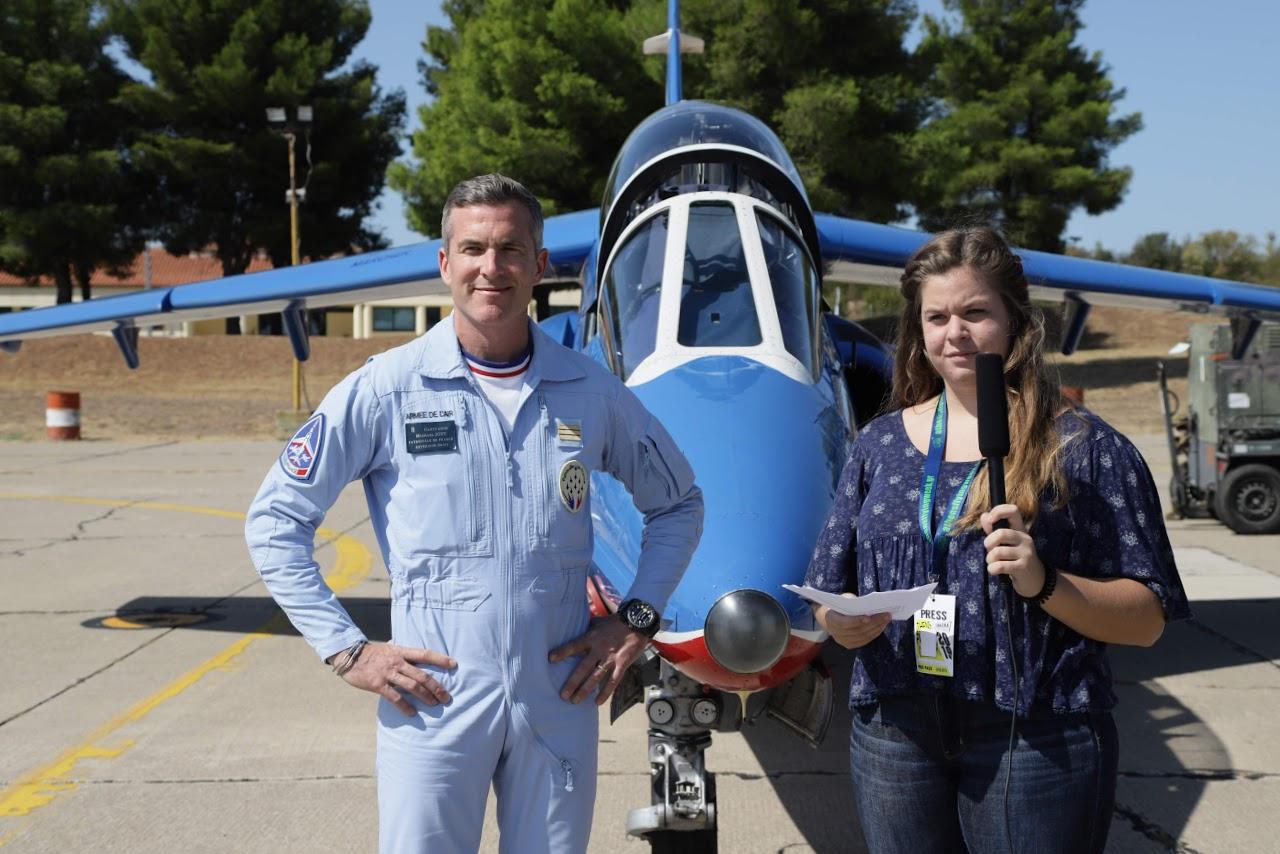 Nos élèves vidéastes interviewent les pilotes de la Patrouille de France-15