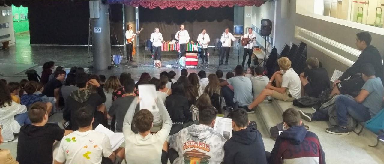 Grand concert de Bola Suriana, célèbre groupe de musique traditionnelle mexicaine, au LFHED -0