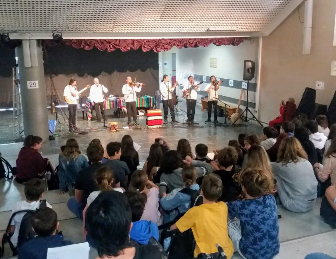 Grand concert de Bola Suriana, célèbre groupe de musique traditionnelle mexicaine, au LFHED -3