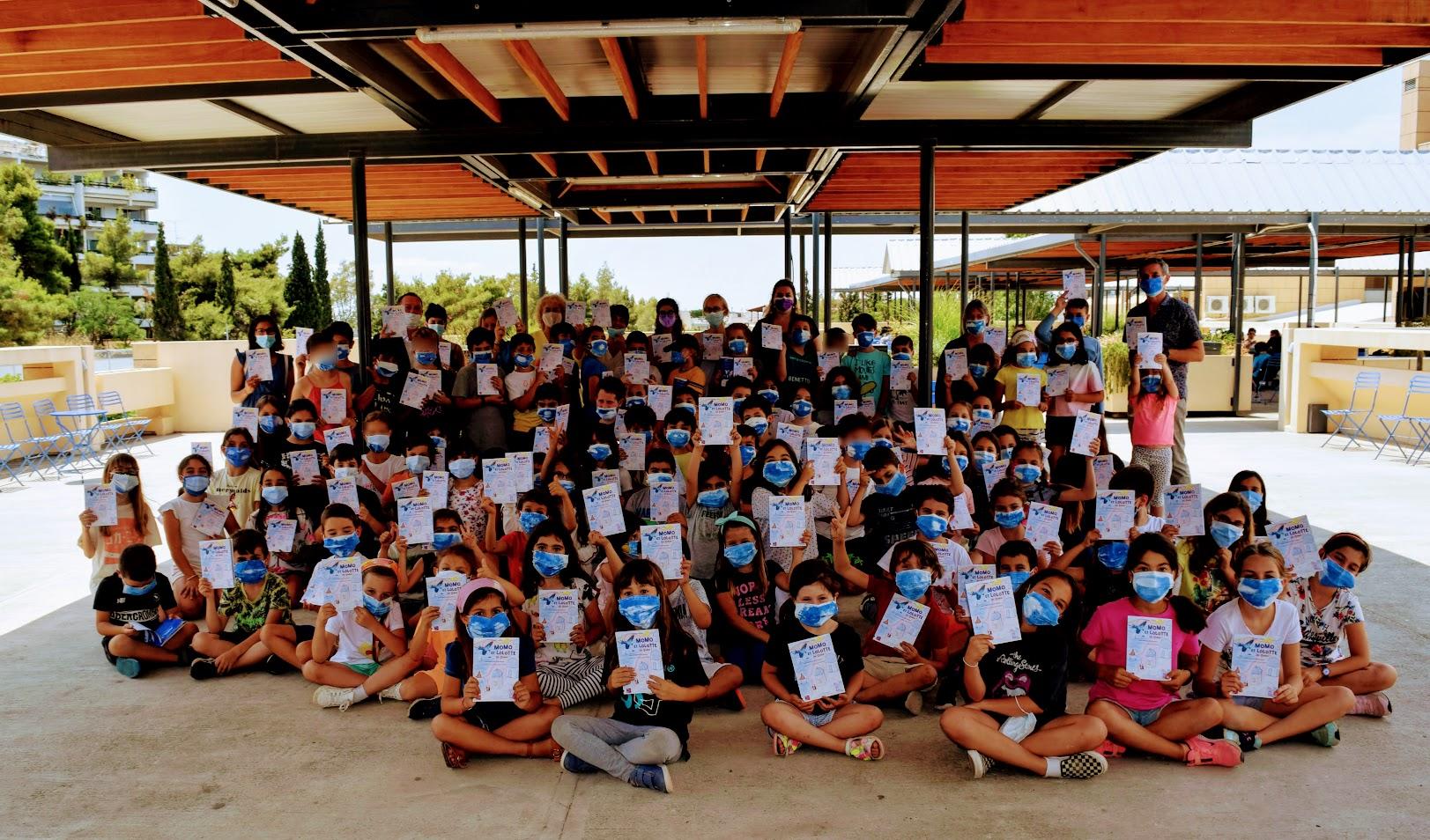 « Momo et Lolotte en Grèce » : nos jeunes élèves écrivains reçoivent la version papier-0