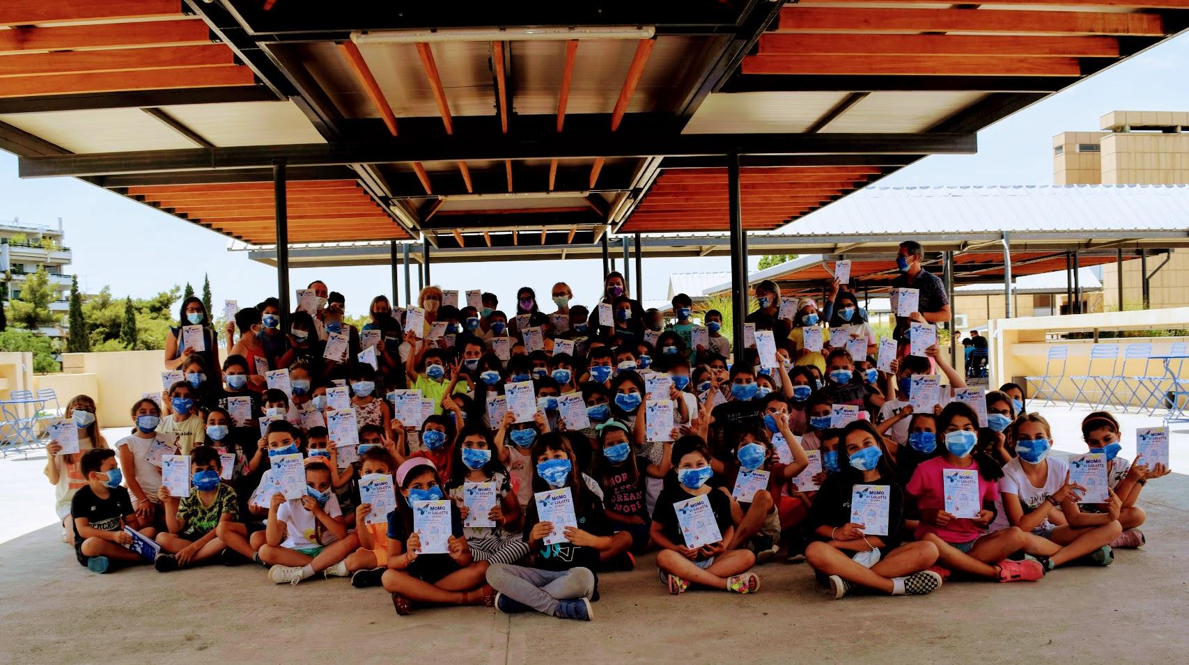 « Momo et Lolotte en Grèce » : nos jeunes élèves écrivains reçoivent la version papier-11