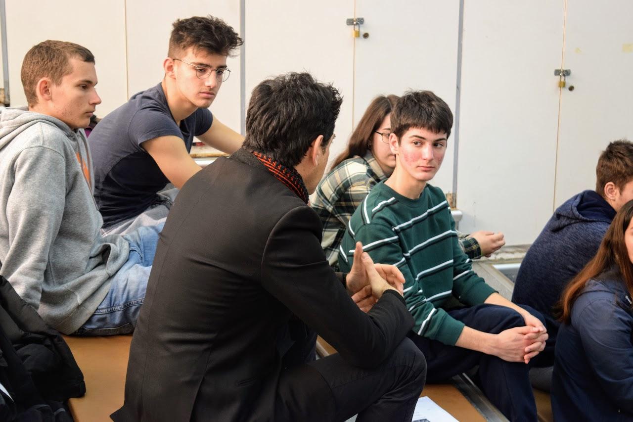 Atelier pédagogique de lecture de textes à voix haute avec Eric Cénat-1