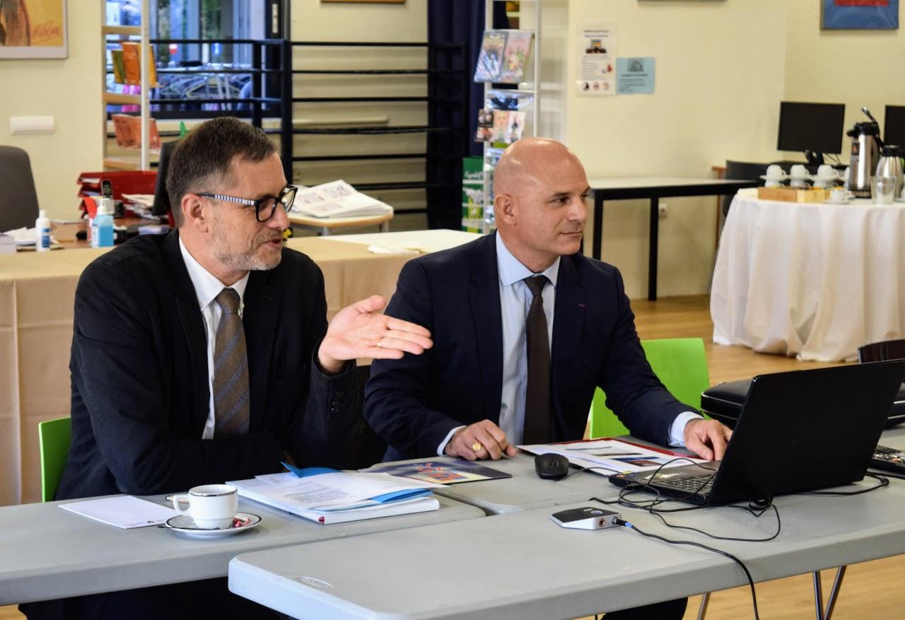 Visite dOlivier Brochet, directeur de l'AEFE, au LFHED-3