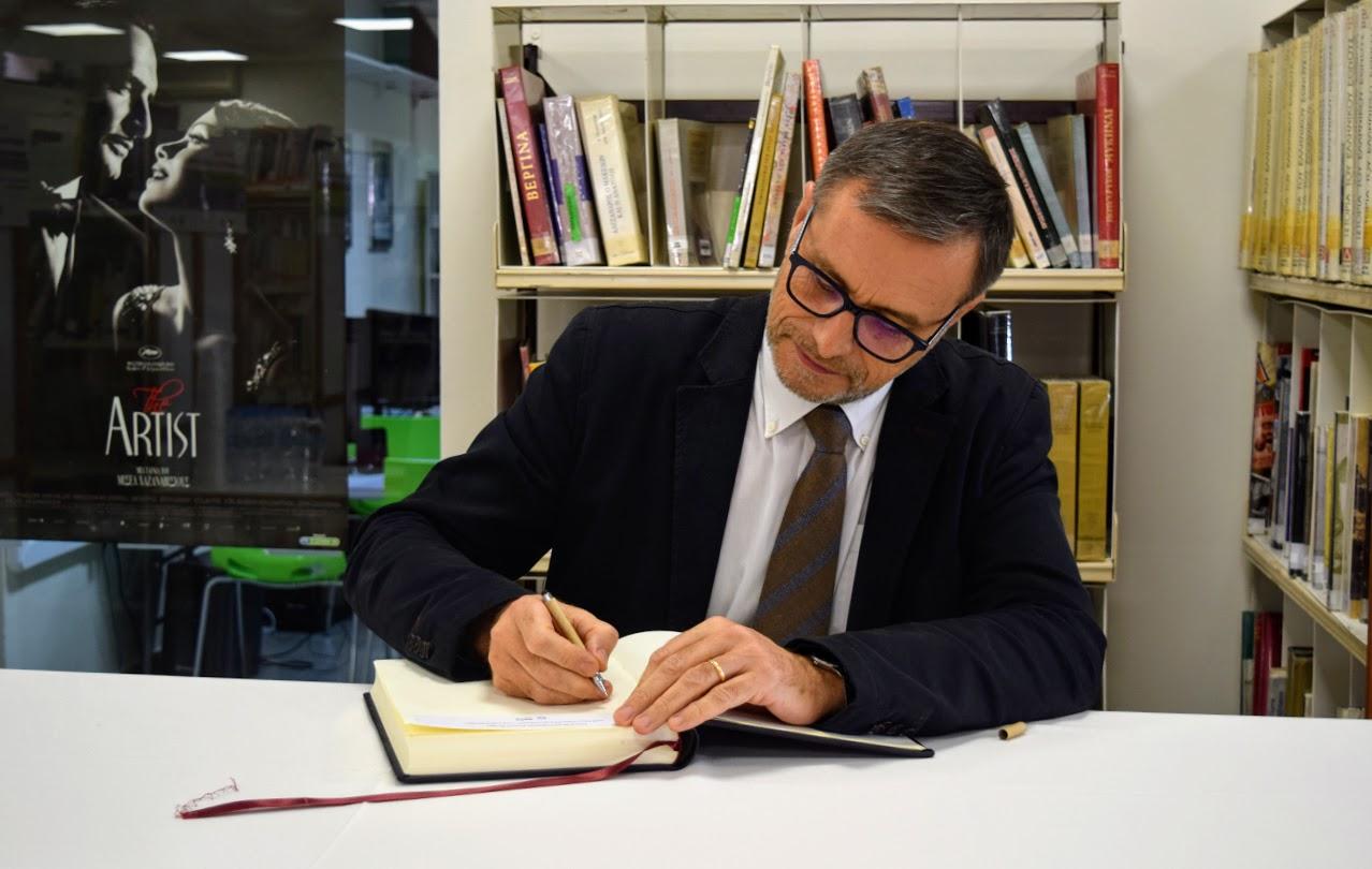 Visite dOlivier Brochet, directeur de l'AEFE, au LFHED-0