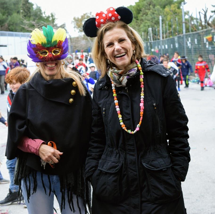 Παιχνίδια, χοροί και μεταμφιέσεις... Το δημοτικό σχολείο του LFHED γιορτάζει το καρναβάλι !-3