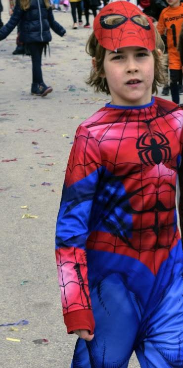 Παιχνίδια, χοροί και μεταμφιέσεις... Το δημοτικό σχολείο του LFHED γιορτάζει το καρναβάλι !-10