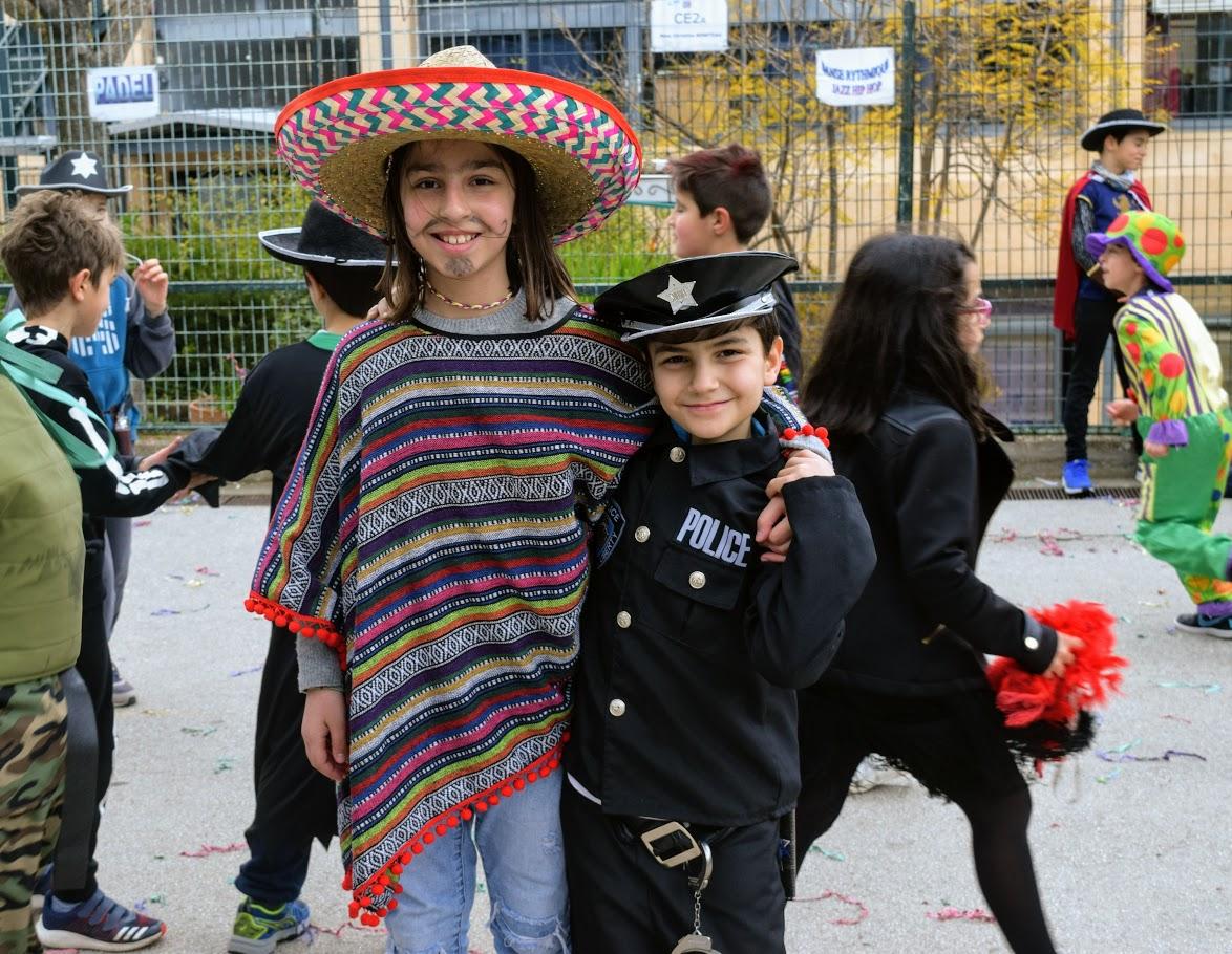 Παιχνίδια, χοροί και μεταμφιέσεις... Το δημοτικό σχολείο του LFHED γιορτάζει το καρναβάλι !-17