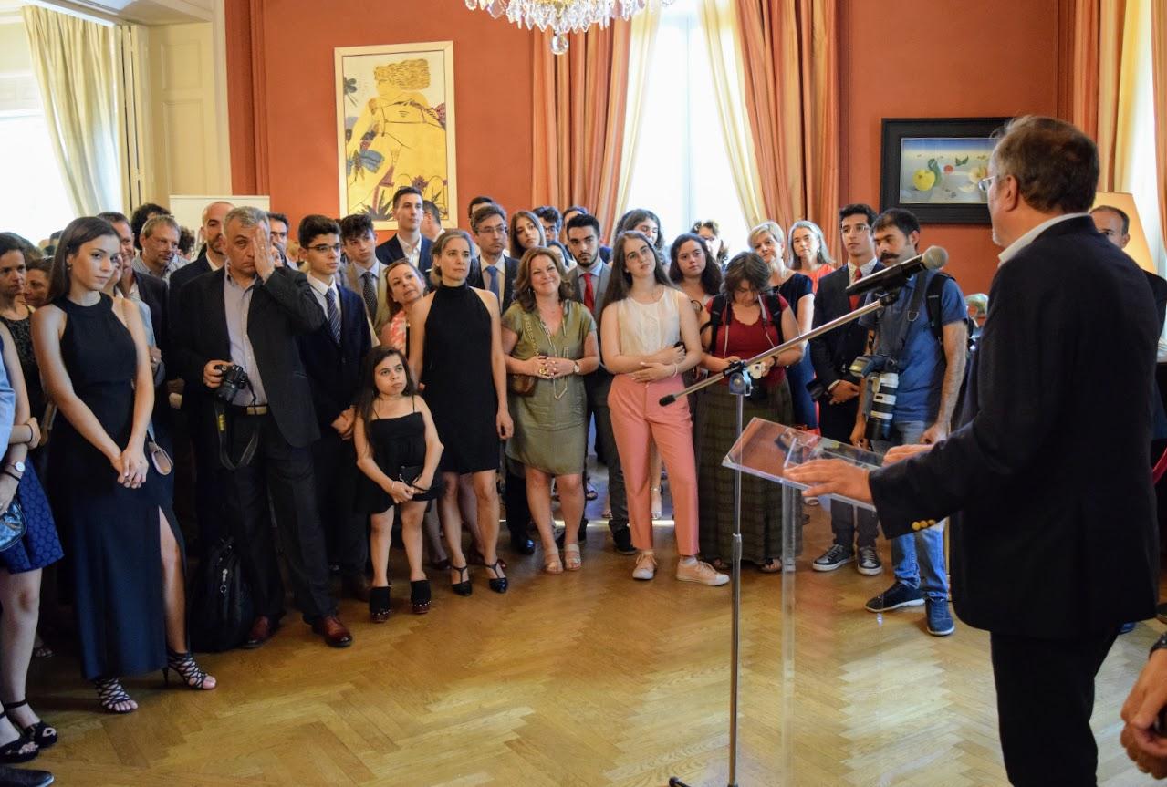 Les bacheliers et « apofoitoi » reçoivent leur diplôme à l'Ambassade -11