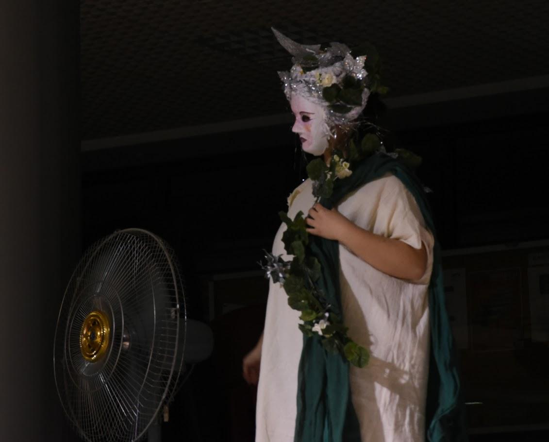 Παράσταση των μαθητών της Β' Λυκείου της Option Théâtre « Ιφιγένεια 14 »-11