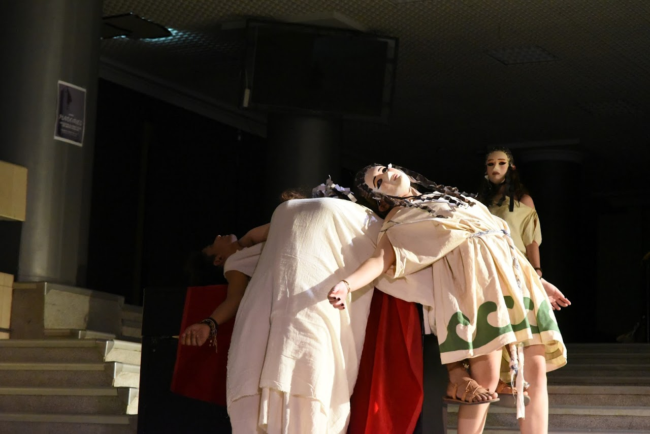 Παράσταση των μαθητών της Β' Λυκείου της Option Théâtre « Ιφιγένεια 14 »-14