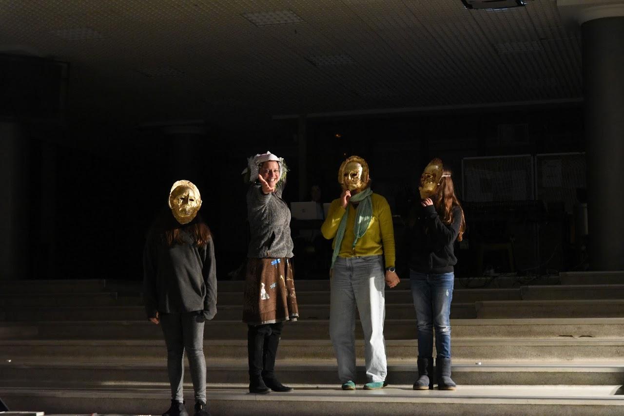 Παράσταση των μαθητών της Β' Λυκείου της Option Théâtre « Ιφιγένεια 14 »-7