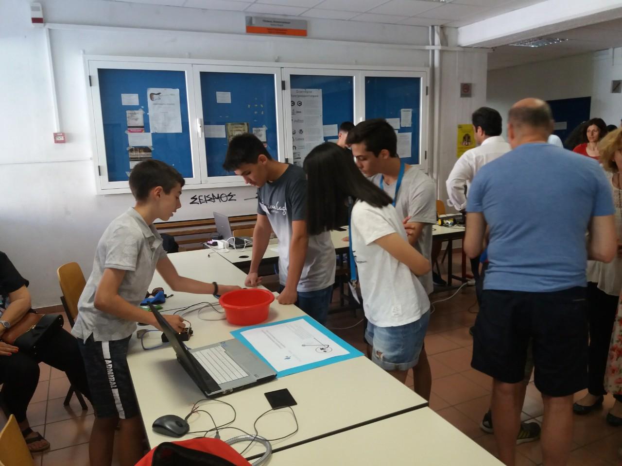 Το σχολείο μας συμμετείχει στον πρώτο διαγωνισμό εκπαιδευτικής ρομποτικής και physical computing-2