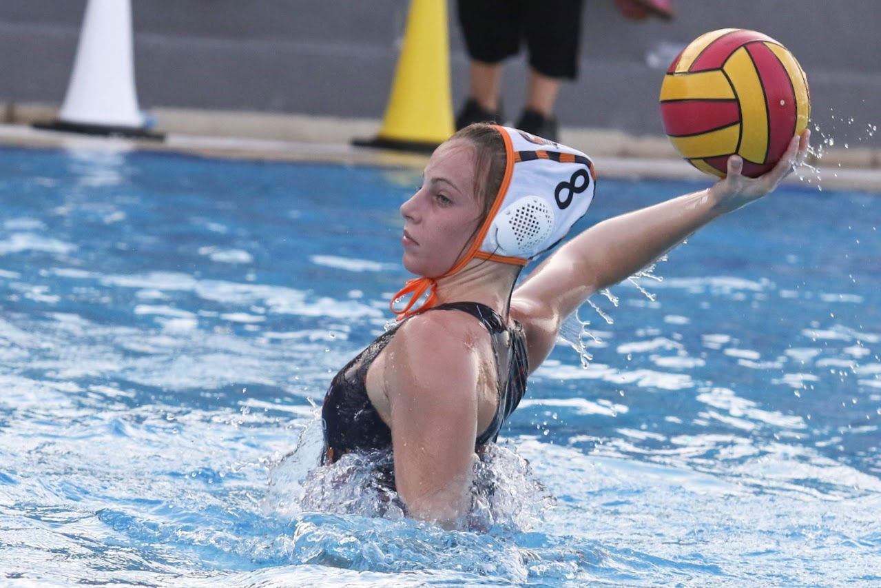 Elena Mpovali, championne nationale junior de water-polo !-0