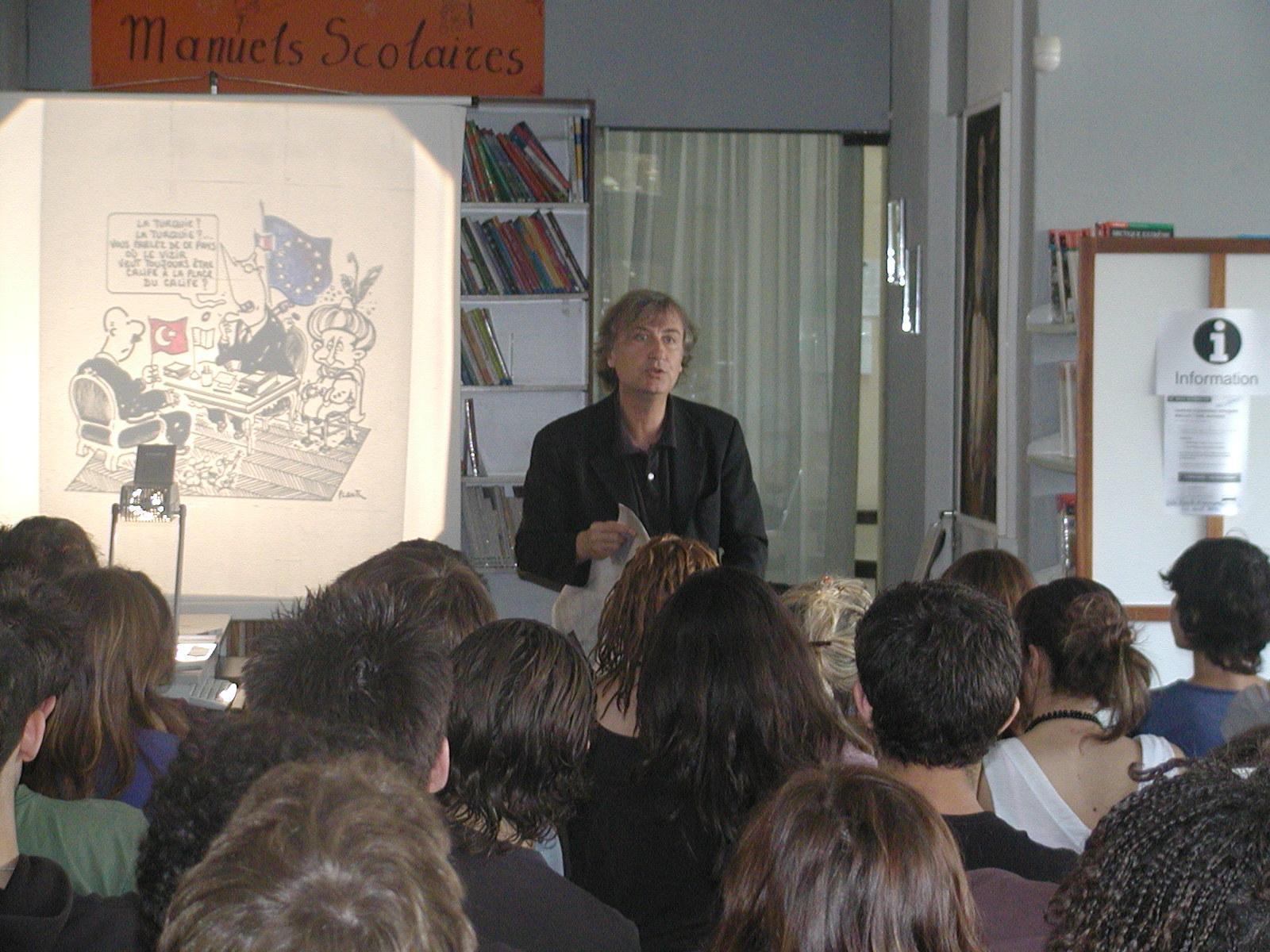 Il y a 16 ans, Plantu rendait visite au Lycée Franco-Hellénique…  -1