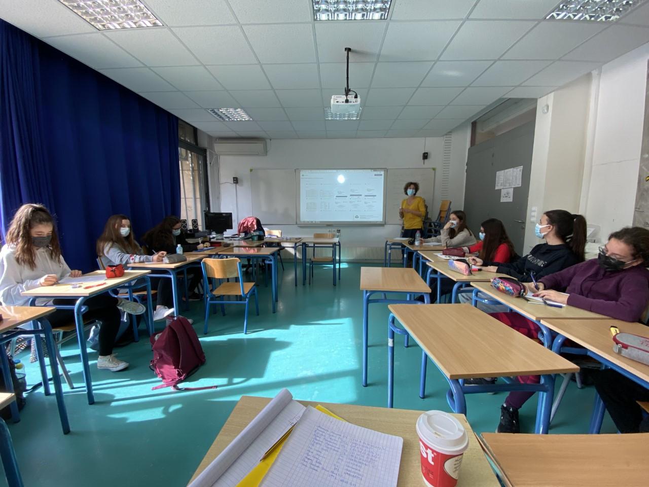 Nos élèves des deux Sections se préparent pour l'Euro Parlement Palma   -4