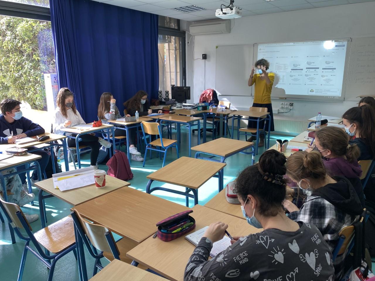Nos élèves des deux Sections se préparent pour l'Euro Parlement Palma   -0