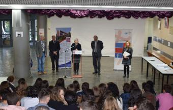 Cérémonie de remise du Diplôme National du Brevet avec M. L'Ambassadeur de France en Grèce-1