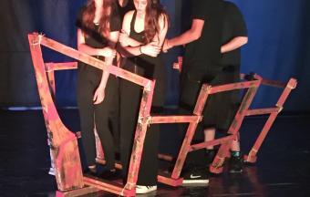Photos de la représentation de la pièce de théâtre STRESS STRASS!!!-4