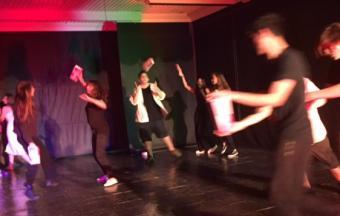 Photos de la représentation de la pièce de théâtre STRESS STRASS!!!-2
