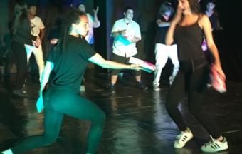 Photos de la représentation de la pièce de théâtre STRESS STRASS!!!-3